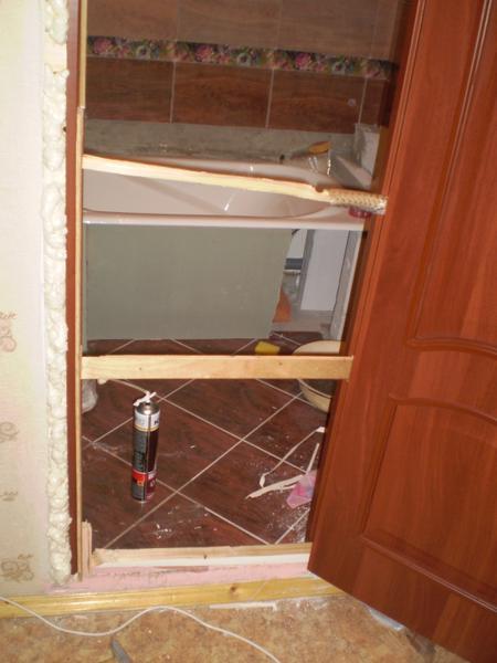 Монтаж двери в санузел